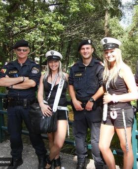 Österreichische Polizei und die Alkomat-Patrouille